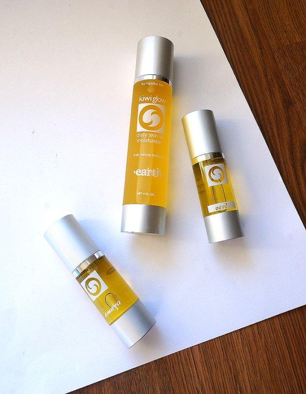 Kiwi Glow Organic Skincare | uptherollercoaster.com