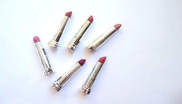 Maybelline Lipstick Collection + Swatches | uptherollercoaster.com