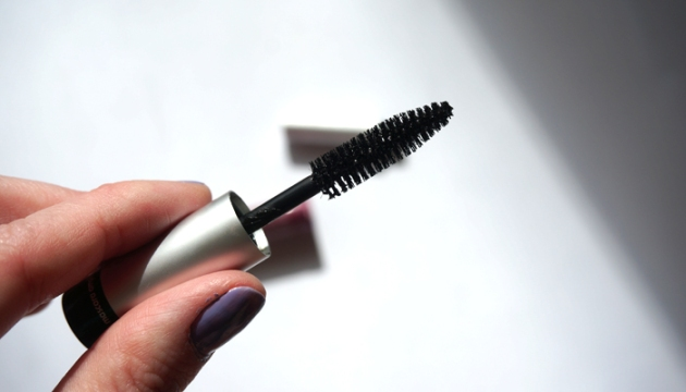 blinc-mascara-amplified-brush
