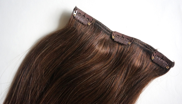 Irresistible Me Royal Remy Hair Extensions Review | uptherollercoaster.com