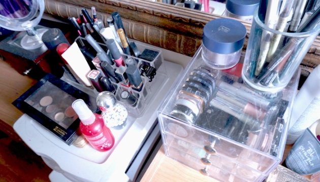 6 Tips for Spring Cleaning Makeup Products | uptherollercoaster.com