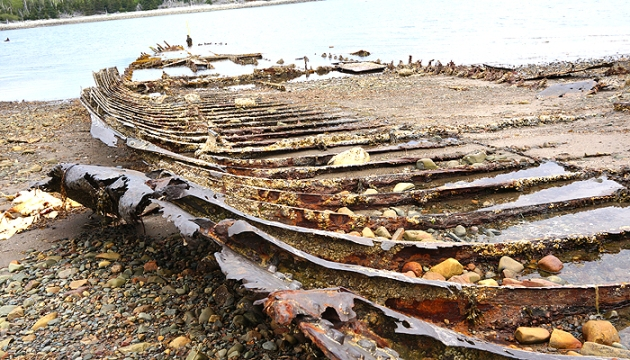 On a Hike with Coppertone Clearly Sheer - McNabs Island Ship Skeleton | uptherollercoaster.com