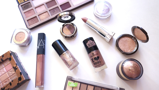 Makeup Collection: Bronze and Gold | uptherollercoaster