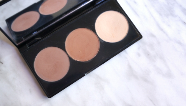 Smashbox Step-by-Step Contour Kit in Light/Medium | uptherollercoaster.com