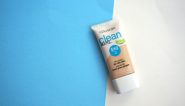 Covergirl Clean Matte BB in 510 Fair | uptherollercoaster.com