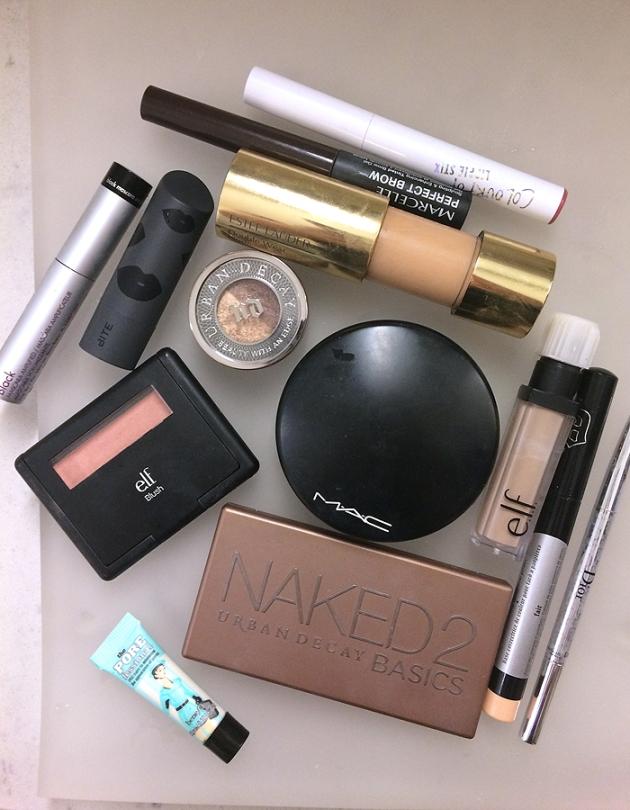What's In My Travel Makeup Bag? Makeup!