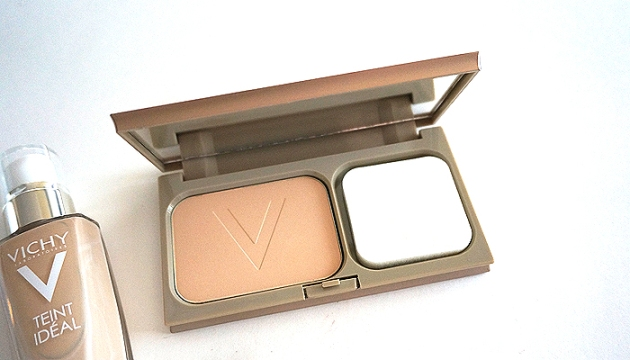 Vichy Teint Ideal Powder Foundation in Light | uptherollercoaster.com