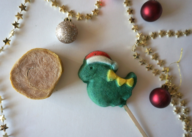 LUSH Christmas: Yog Log Roulade & Santasauras Bubble Bar